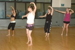 comapre gastric band surgery to Belly dancers lose weight